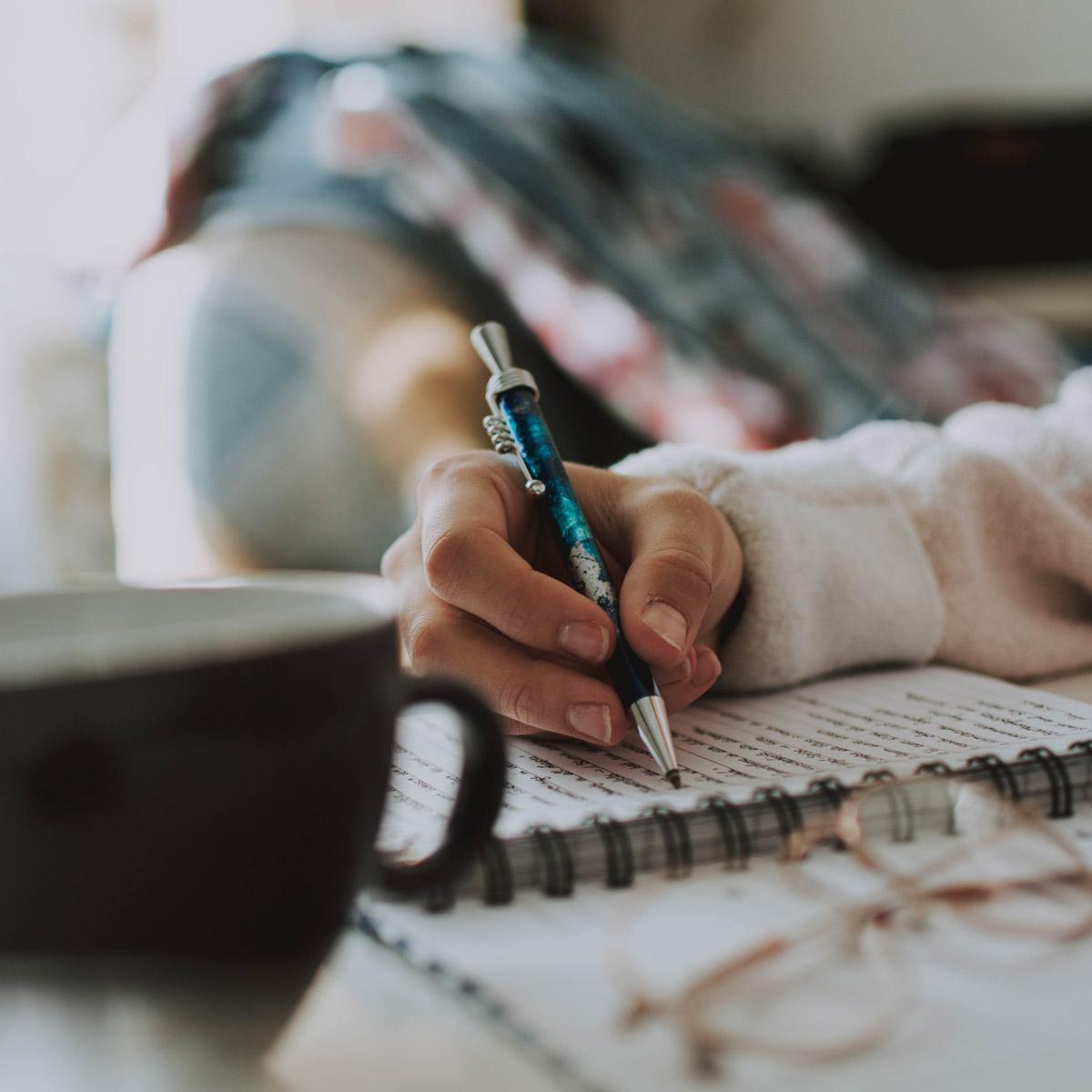Ventajas de la escritura terapéutica en el tratamiento de alcohólicos